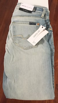 7 FOR ALL MANKIND KIMMIE CROP IN ICE BLUE- SIZE 28