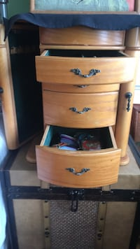 Antique Jewelery Cabinet (Great Condition)