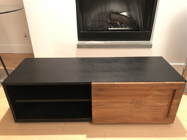Modern TV stand / Media console