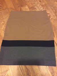 Lord & Taylor Skirt  Size L  - New w/no tags.