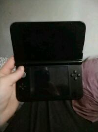 3ds XL with Pokemon ultra sun  Vancouver, V5X 2N1