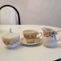 Tea set in excellent condition  552 km