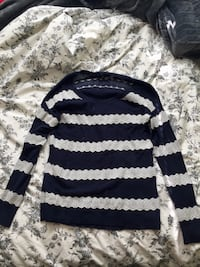 Navy blue American Eagle lace sweater size M Newmarket, L3X 1Z7