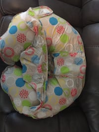Nursing Pillow And Positioner!!! Tampa, 33615