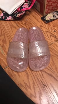 Jelly Puma slides  17 mi