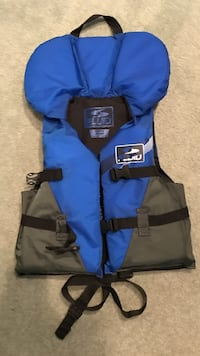 Blue and grey life vest Burnaby, V3N 2G1