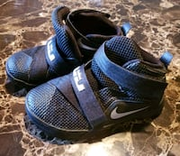 pair of blue-and-black Nike basketball shoes Tucson, 85757