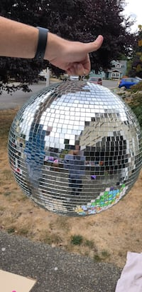 Large  Mirror/Disco Ball Renton, 98056