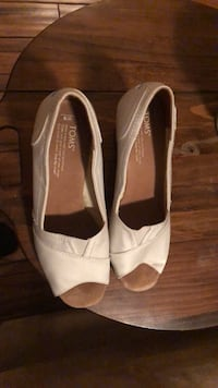 Toms white wedges Old Lyme, 06371