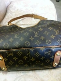 Used Louis vuitton over 4 years old  Las Vegas, 89147