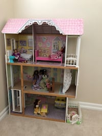 Doll house with elevator Fullerton, 92833