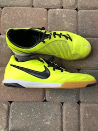 Nike T90 Indoor Gym Soccer Shoes Size 9 New  Toronto
