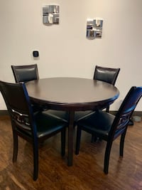 Dining table and chairs set Anaheim, 92806