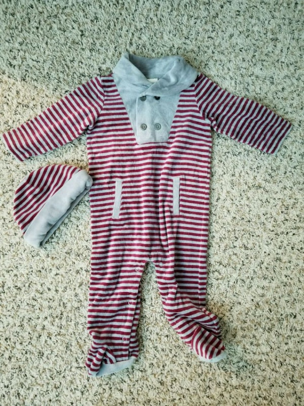 3be9151a1 Used baby s white and red stripe footie pajama for sale in North ...