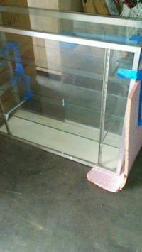 Display case. Good condition  Oakland, 94601