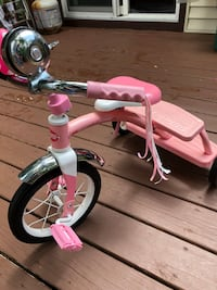 toddler's pink and white trike Woodbridge, 22192
