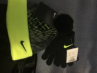 green and black Nike knit hat and gloves Toronto, M9N