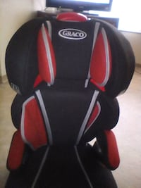 black and red Graco booster seat Calgary, T2W 4H7