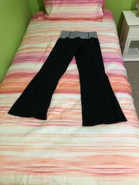 lululemon pants sz 8 Maple Ridge, V2X 4V4