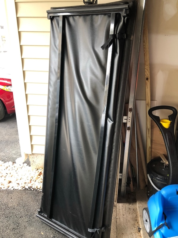 """Dodge Ram Tonneau Cover - Black (Works with 02-18 Dodge Ram 1500 and  [TL_HIDDEN] 0 w/ 6.5"""" bed)"""