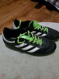 Adidas size 10 Loxley, 36551