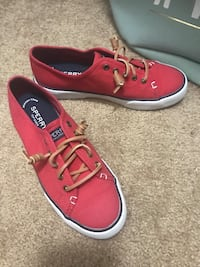 Sperry shoes  Washington, 63090