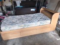 Twin Bed-solid wood  Courtice, L1E 2G1