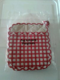 Red & White Checkered Pot Holders Smithville, L0R 2A0