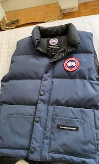 Canada goose Vest / large for kids / negotiable Toronto, M8W