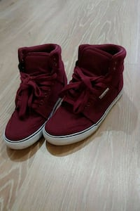 pair of red high-top sneakers Surrey, V3S 2Y3