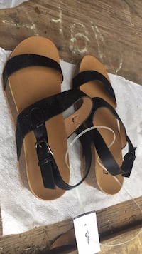 Pair of brown-and-black sandals Baton Rouge, 70815