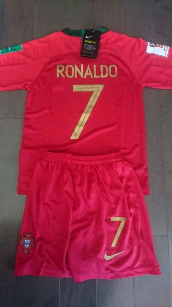 Brand new in tags 2018 portugal world cup kids kit