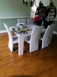 Modern dining table and chairs Cobourg
