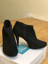 Pair of black suede booties size 7.5 brand new condition  Toronto, M3J 1K7