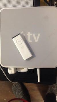 Gen 1 Apple TV with new remote