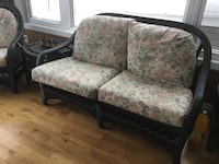 white-and-gray floral fabric seat with black base loveseat Charlemagne, J5Z 1X4