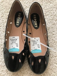 Girls size 4 patent leather shoes never worn Potomac, 20854