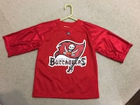 Tampa Bay buccaneers football jersey. Youth size 6 Fayetteville, 30215