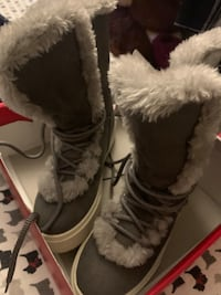 Winter boots Rockville, 20852