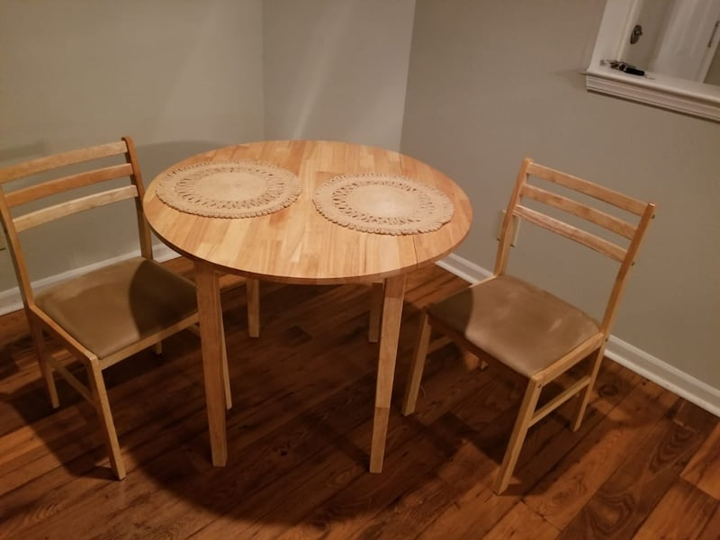 Small round dining table. (Coaster) wood.  ce18f7e2-6933-486a-bef7-86b689244de4