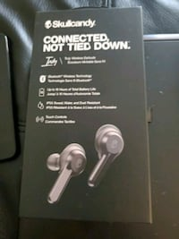 Truly wireless skull candy   headphones brand new in the box never ope
