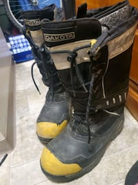 MENS Sz 11 insulated work boot