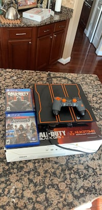 playstation 4 1TB - limit edition bo4