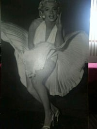 Marilyn Monroe wood picture  Vancouver, 98661