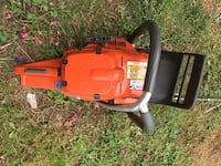 Husqvarna 390xp with 33inch bar. Barely used runs perfect