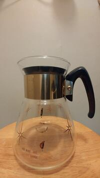 Must go! Vintage corning heat proof glass carafe. Good condition. Loca