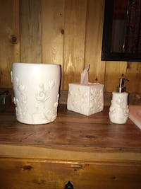 MOVING OUT OF THE COUNTRY SALE!Magnolia Market Bathroom Toiletries Set Littleton, 80123