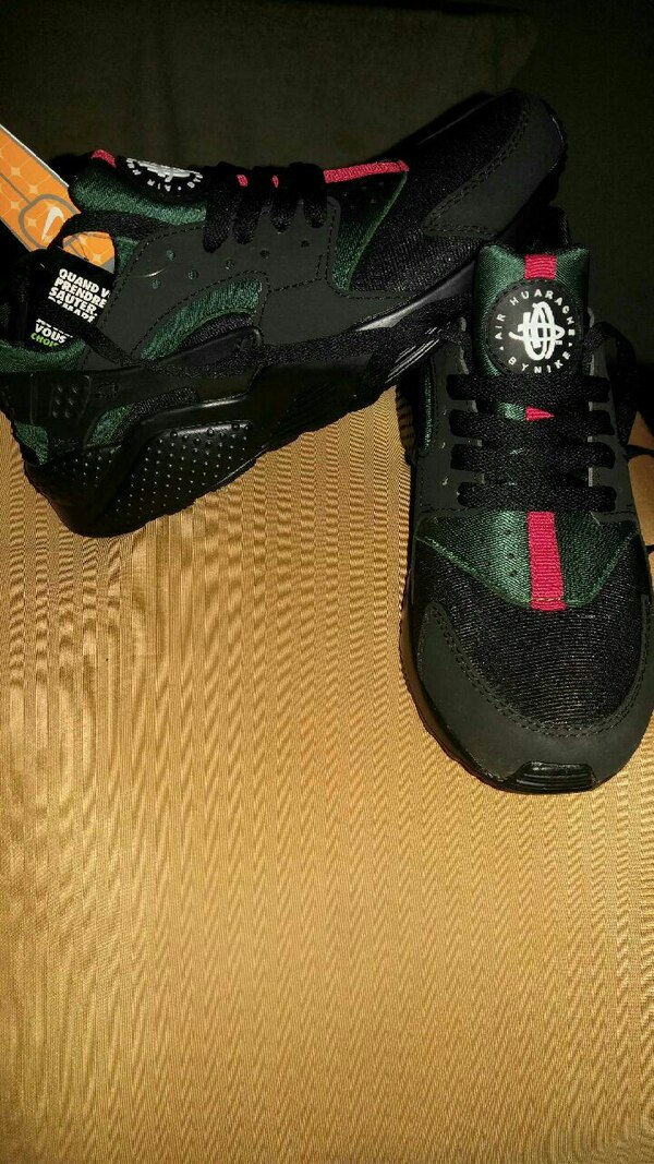 Used Mens Nike Air Huarache Custom Gucci Sneakers For Sale In Queens