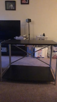 coffe table/tv stand in great condition  Billerica, 01821