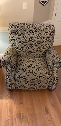 Used White And Black Floral Print Fabric Sofa Chair For